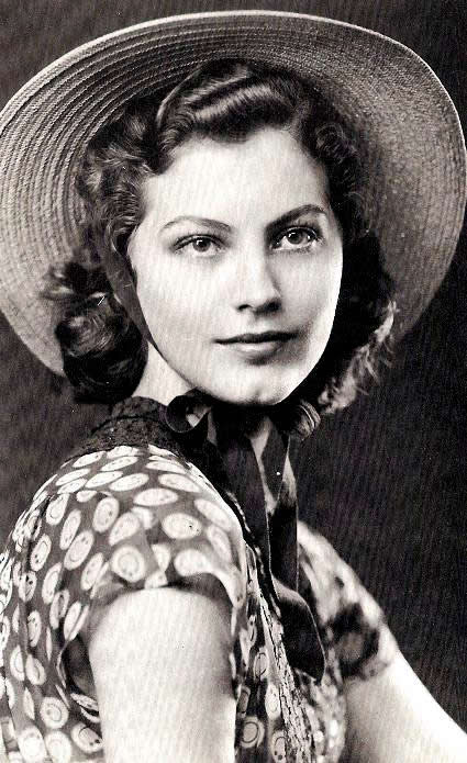 The photo of young Ava that drew the attention of a Hollywood talent scout.