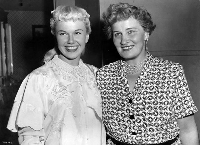 Doris Day with her mother Alma Sophia.