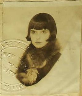 Here's Brooks' passport photo in 1924 when she was just 18 years old and just devastatingly beautiful. Looks like whomever took the photo was inspired to greater artistic heights by Brooks' youthul beauty.