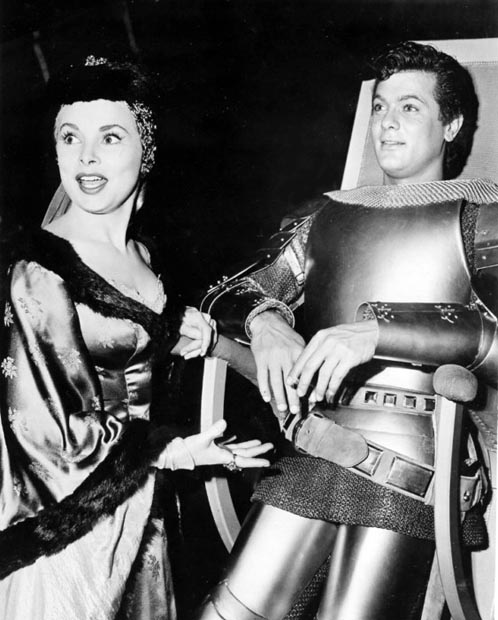 Tony Curtis (b. Bernard Schwartz) and Janet Leigh between scenes of The Black Shield of Falworth.