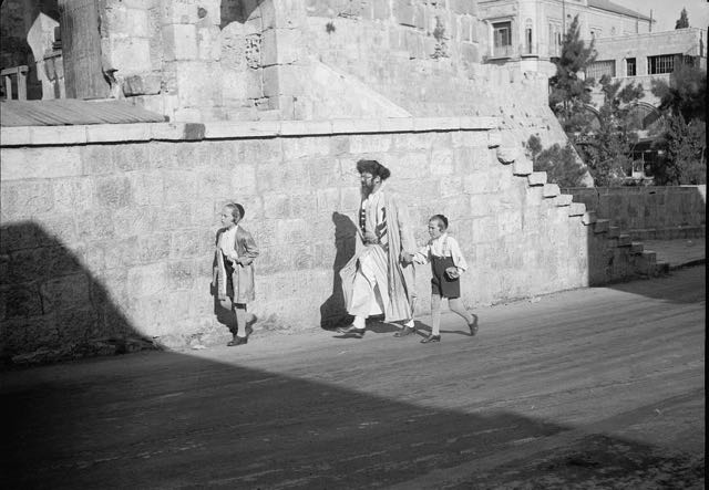 A Jewish father and his sons, Jerusalem, 1934.