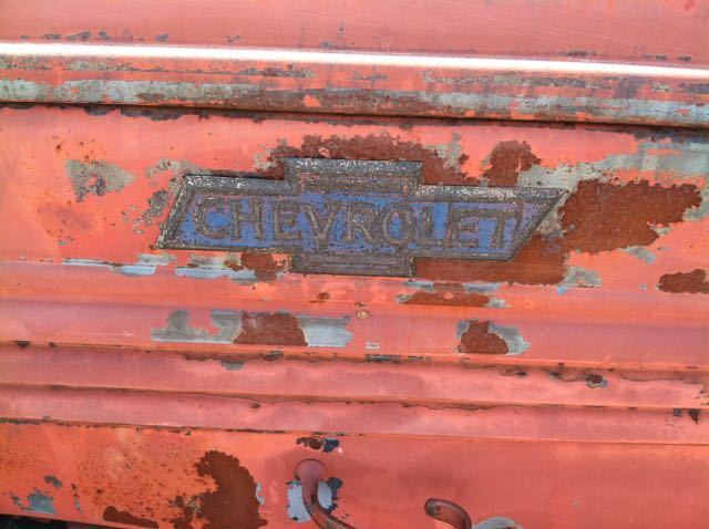 I saw this rusting truck by the side of a highway on the way to Yosemite. Just had to stop and snap this pic.