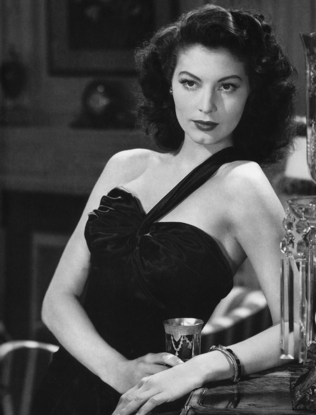 "Ava Gardner on her glamorous image: ""That ain't me. I grew up one step up from a dirt farmer. I ironed, I picked cotton, I had one clean dress, and nobody paid one bit of attention to me."""