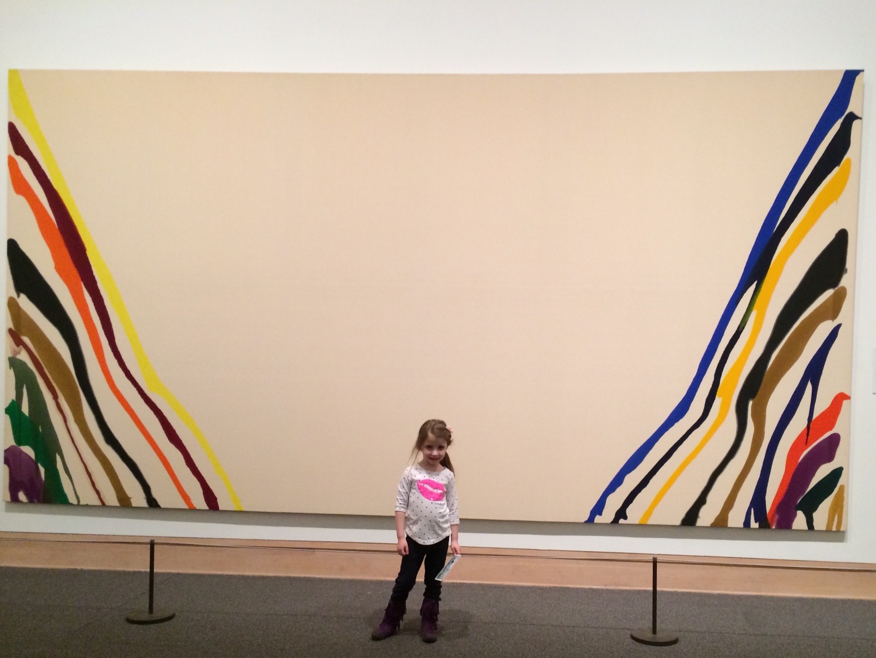 Standing in front of the great Morris Louis painting you get a sense of its monumental scale. Mayan wishes all our friends and relatives an artistic and inspirationsal Shabbat.