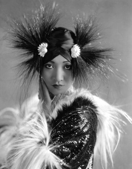 Anna May Wong looking like a bird of paradise.