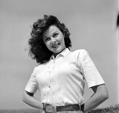 """I learned at a very early age that life is a battle. My family was poor, my neighborhood was poor. The only way that I could get away from the awfulness of life, at that time, was at the movies. There I decided that my big aim was to make money. And it was there that I became a very determined woman."" -Susan Hayward (1949, photo by Ed Clark for LIFE)"