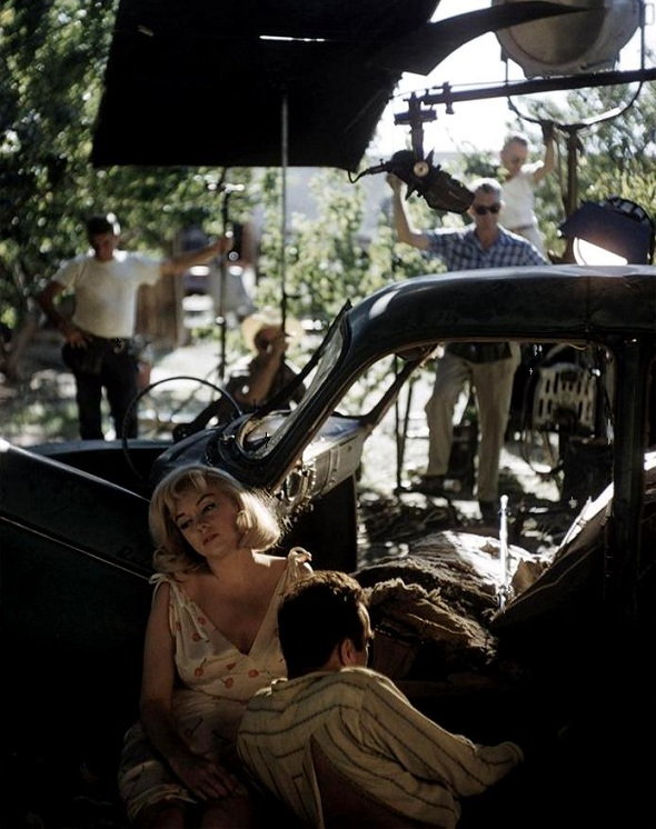Marilyn Monroe & Montgomery Clift on the set of The Misfits 1961, directed John Huston Photo by Eve Arnold. The film was written by MM's husband Arthur Miller expressly for her — and it is terrible. This was Clark Gable's last movie.