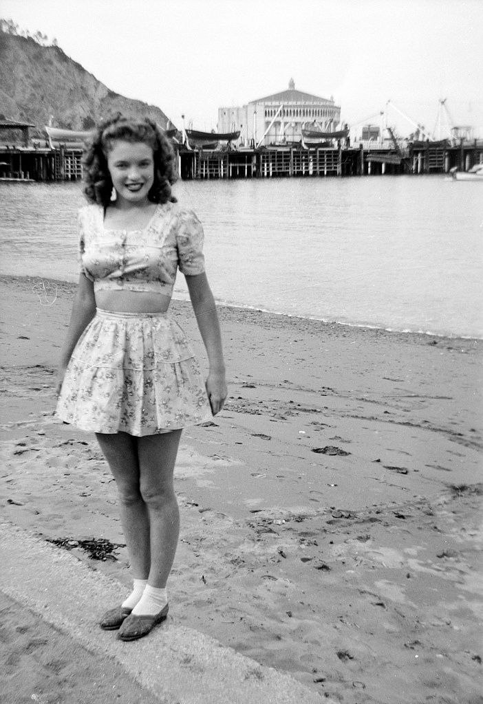 Norma Jeane getting more comfortable in her skin and in front of the camera.