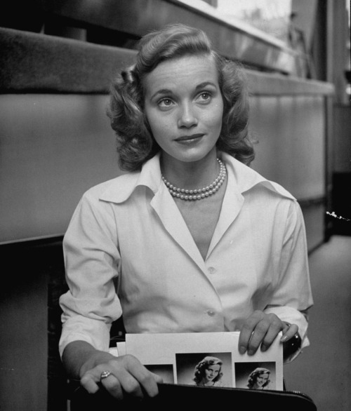 """America is now obsessed by stars in an unhealthy way. They don't actually deserve this kind of attention. They're only actors - not scientists who are triumphing over cancer or doing some other wonderful thing."" -Eva Marie Saint"