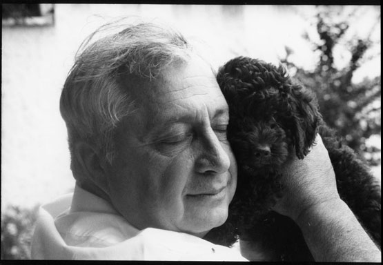 Ariel Sharon z'l, with one of his beloved black Poodles. Photo by Jill Krementz