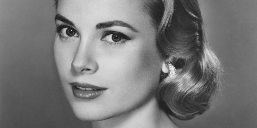 """I never really felt pretty, bright or socially adept."" —Grace Kelly"