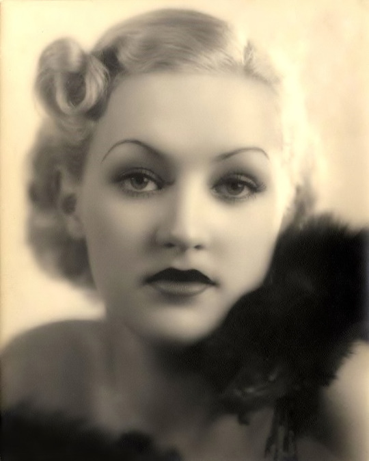 A rare portrait of Betty Grable at 16 when she fibbed about her age by adding two years so she could work as a singer for band leader Danny Russo's Oriole Orchestra, 1932.