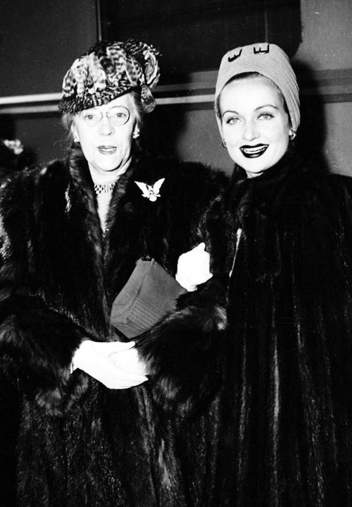 Carole Lombard and her mother Elizabeth 'Bessie' Peters.
