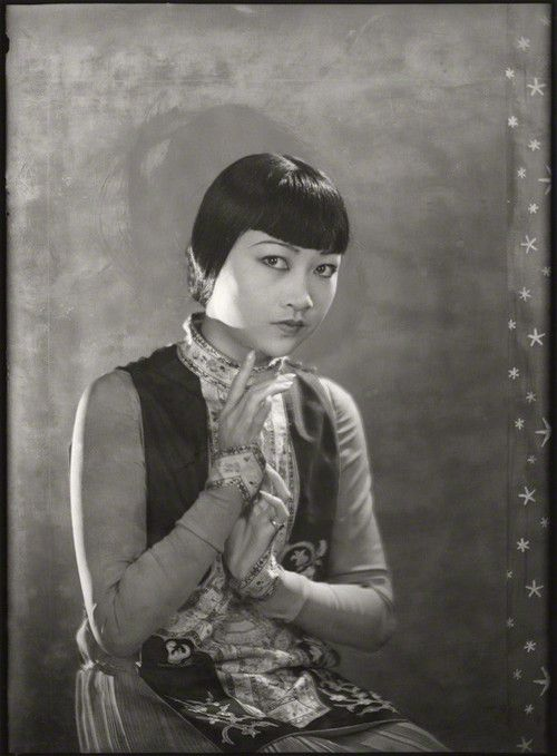 Anna May Wong, 1929, photo by Dudley James Glanfield