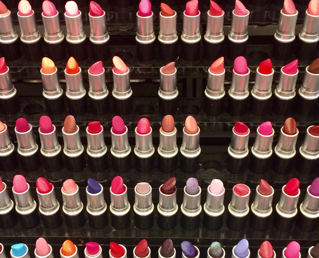 Robert J. Avrech, Silent Picture, Lipstick Display, Dallas, 2016