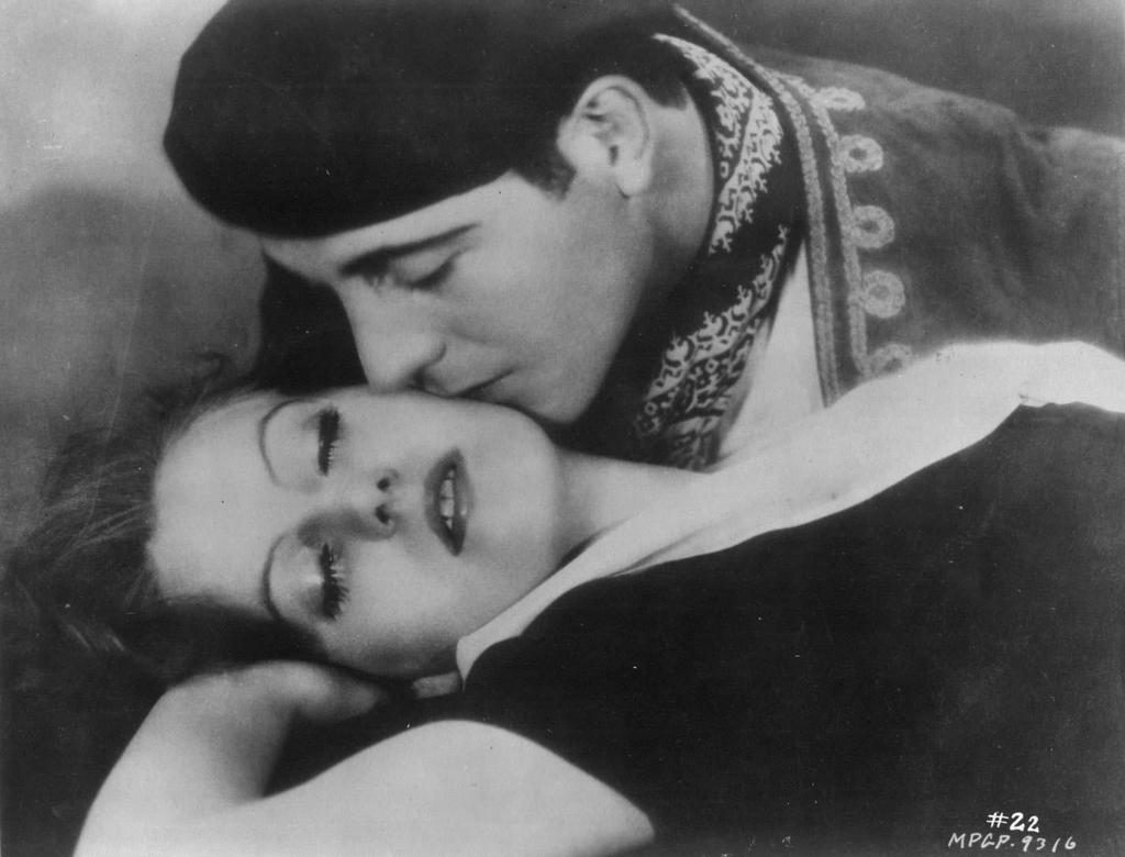 Ricardo Cortez and Greta Garbo in The Torrent. Cortez treated her with disdain.