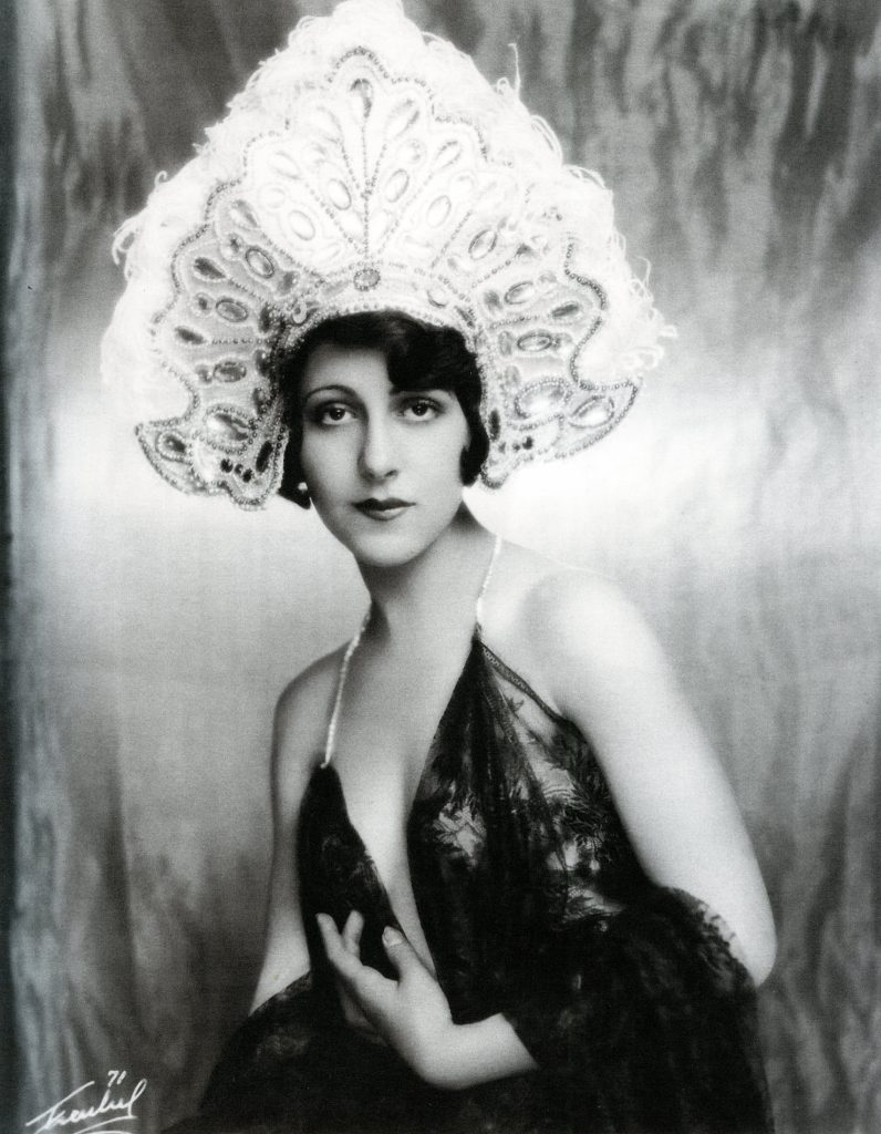 "Patsy Ruth Miller in ""Painting the Town,"" 1927. Photo by Jack Freulich. Miller shot to stardom when she co starred opposite Lon Chaney as Esmerelda in ""The Hunchback of Notre Dame."" ('23)"