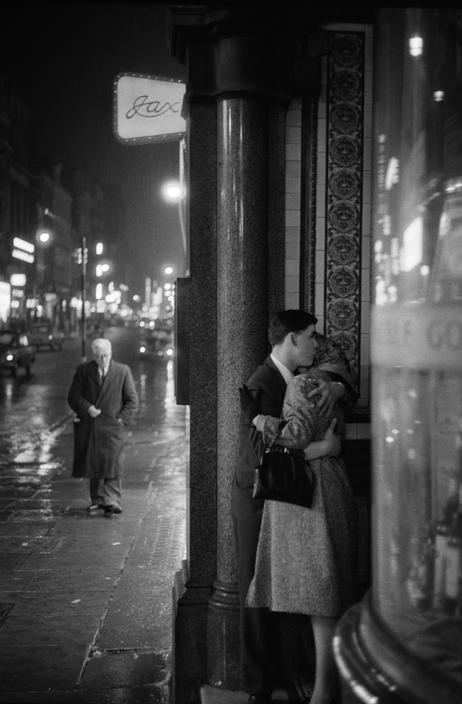 London, 1960, photo by Philip J. Griffiths